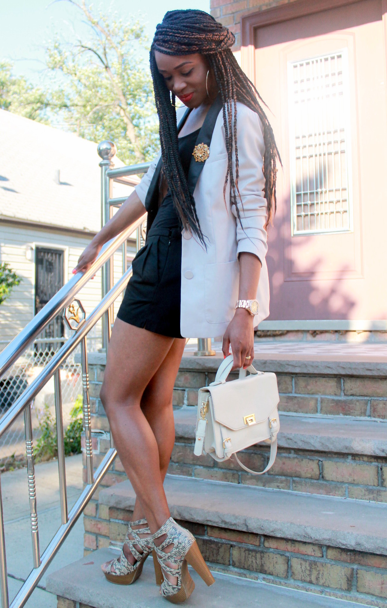 Black JCrew shorts + H&M oversized blazer (10)