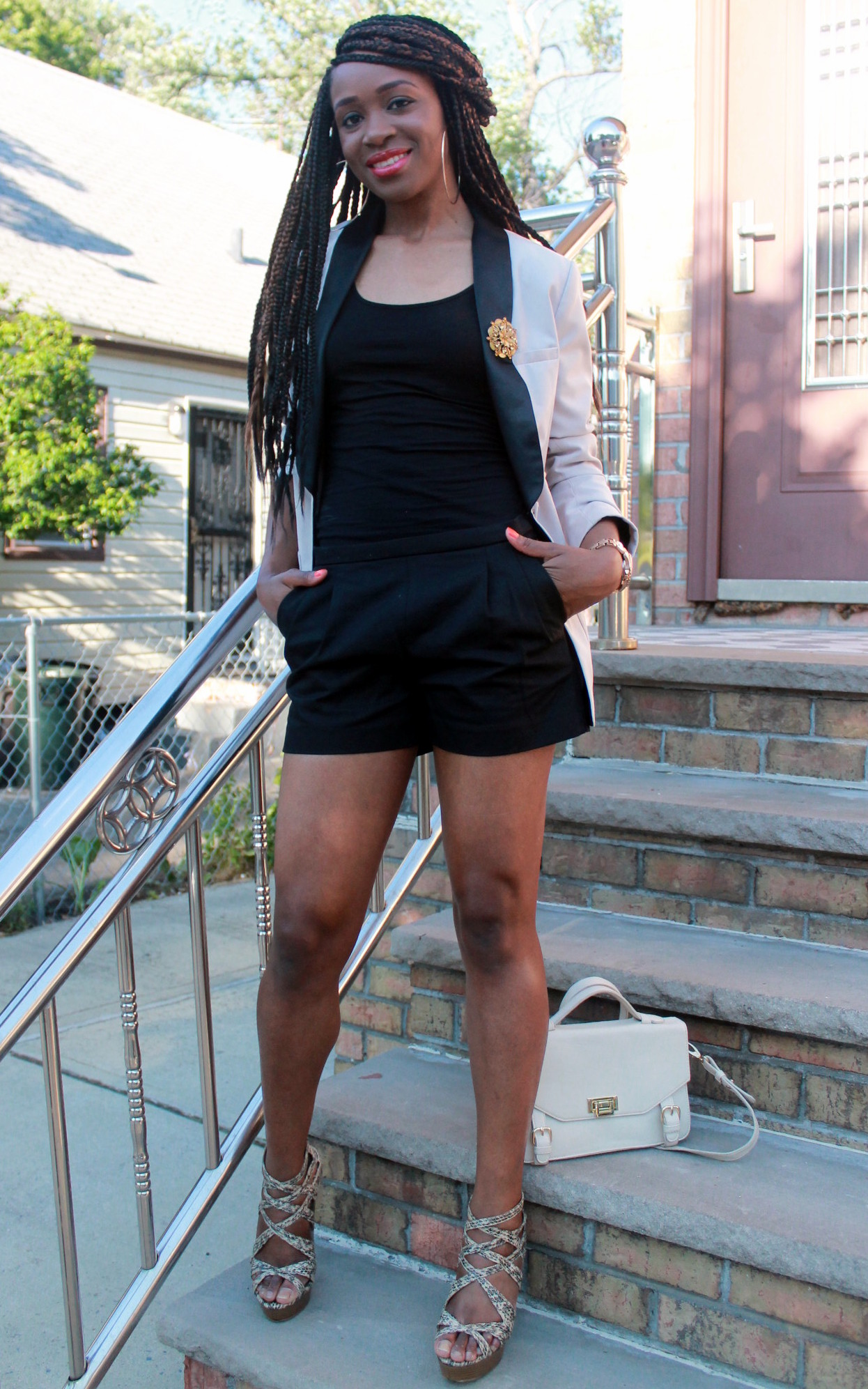 Black JCrew shorts + H&M oversized blazer (4)