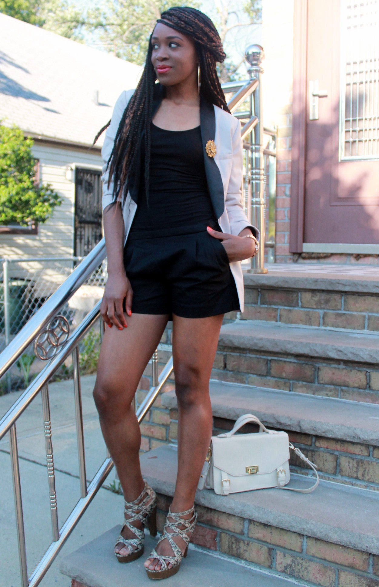Black JCrew shorts + H&M oversized blazer (5)