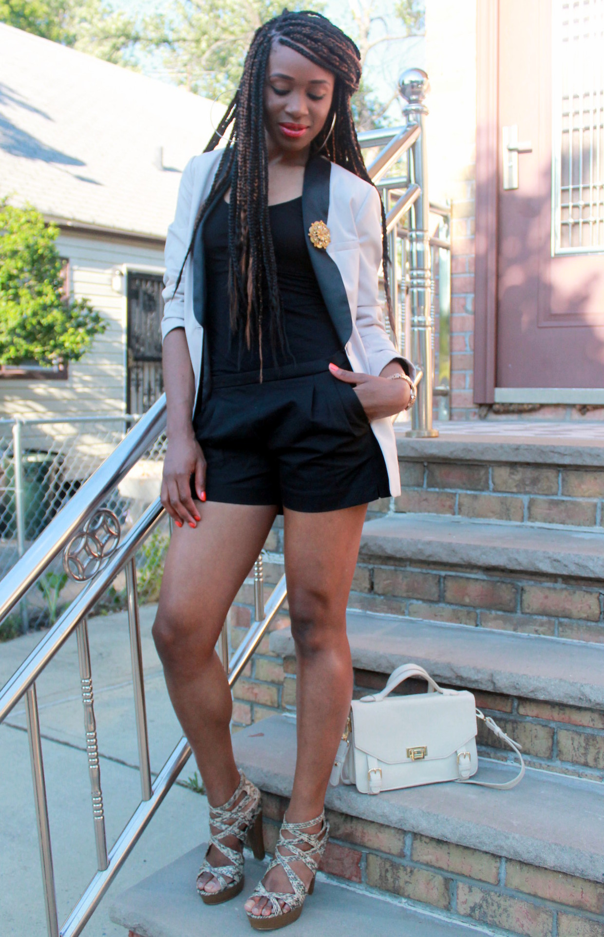 Black JCrew shorts + H&M oversized blazer (6)