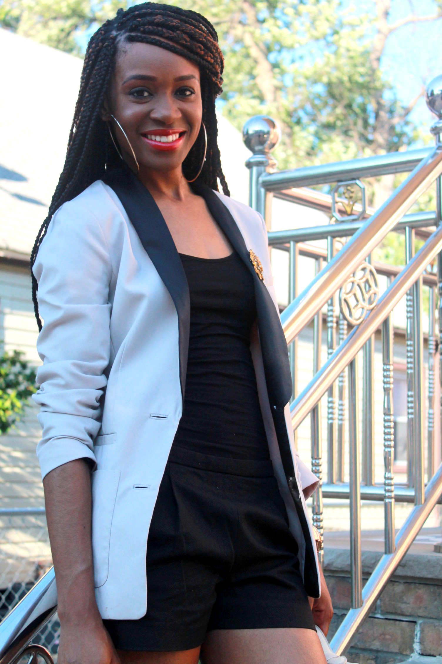 Black JCrew shorts + H&M oversized blazer (7)