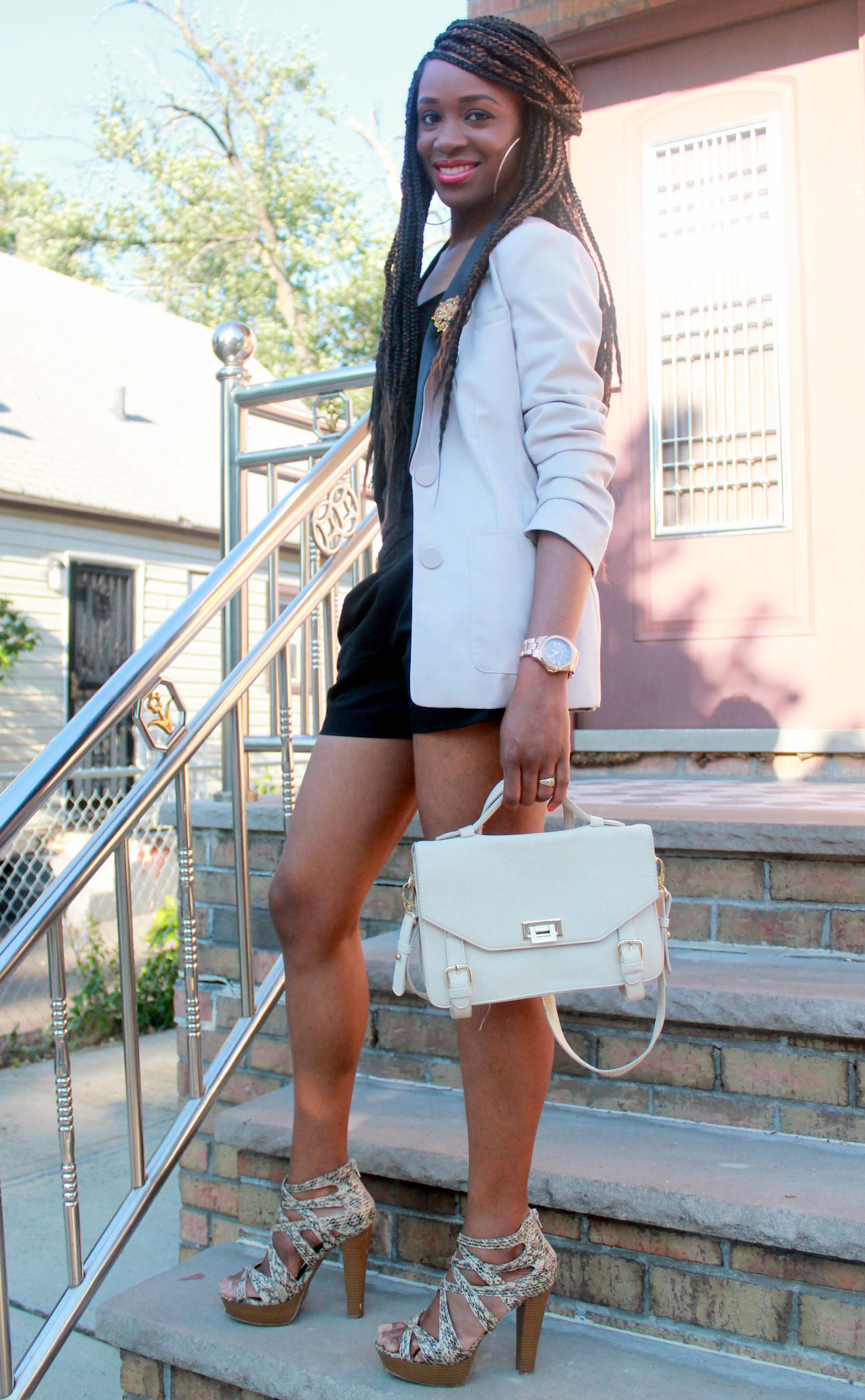 Black JCrew shorts + H&M oversized blazer (9)