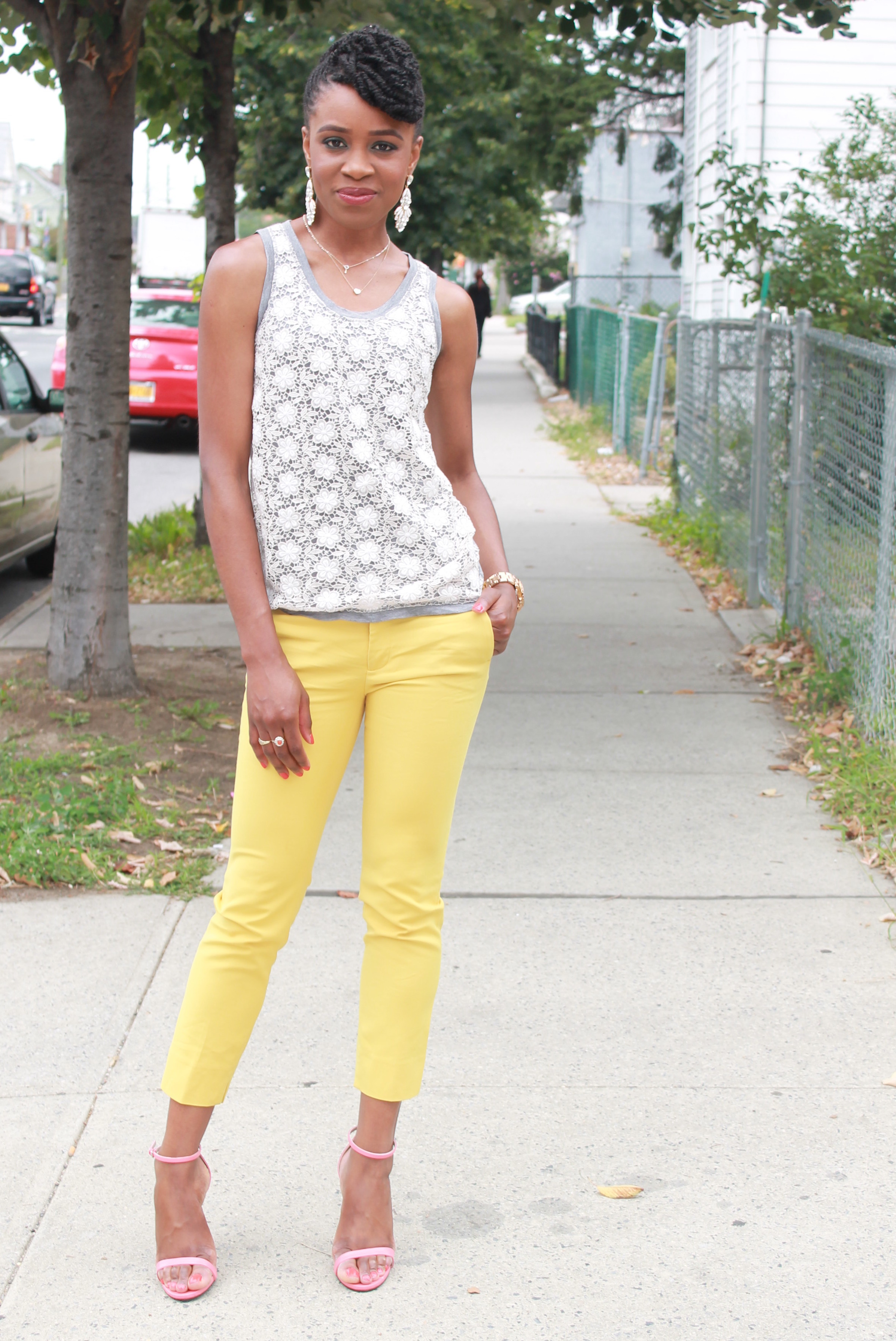 Yellow cropped trousers & lace top (1)