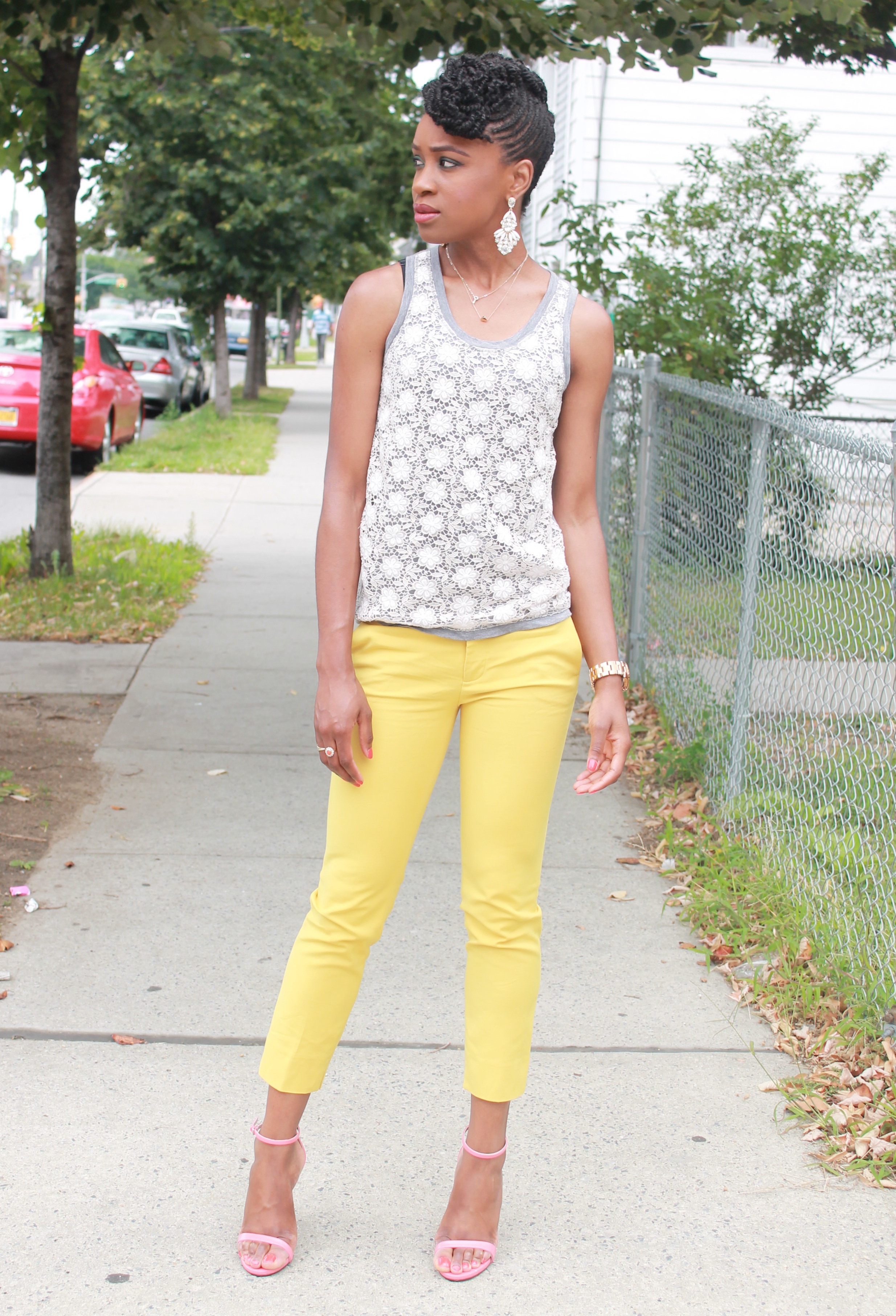 Yellow cropped trousers & lace top (3)