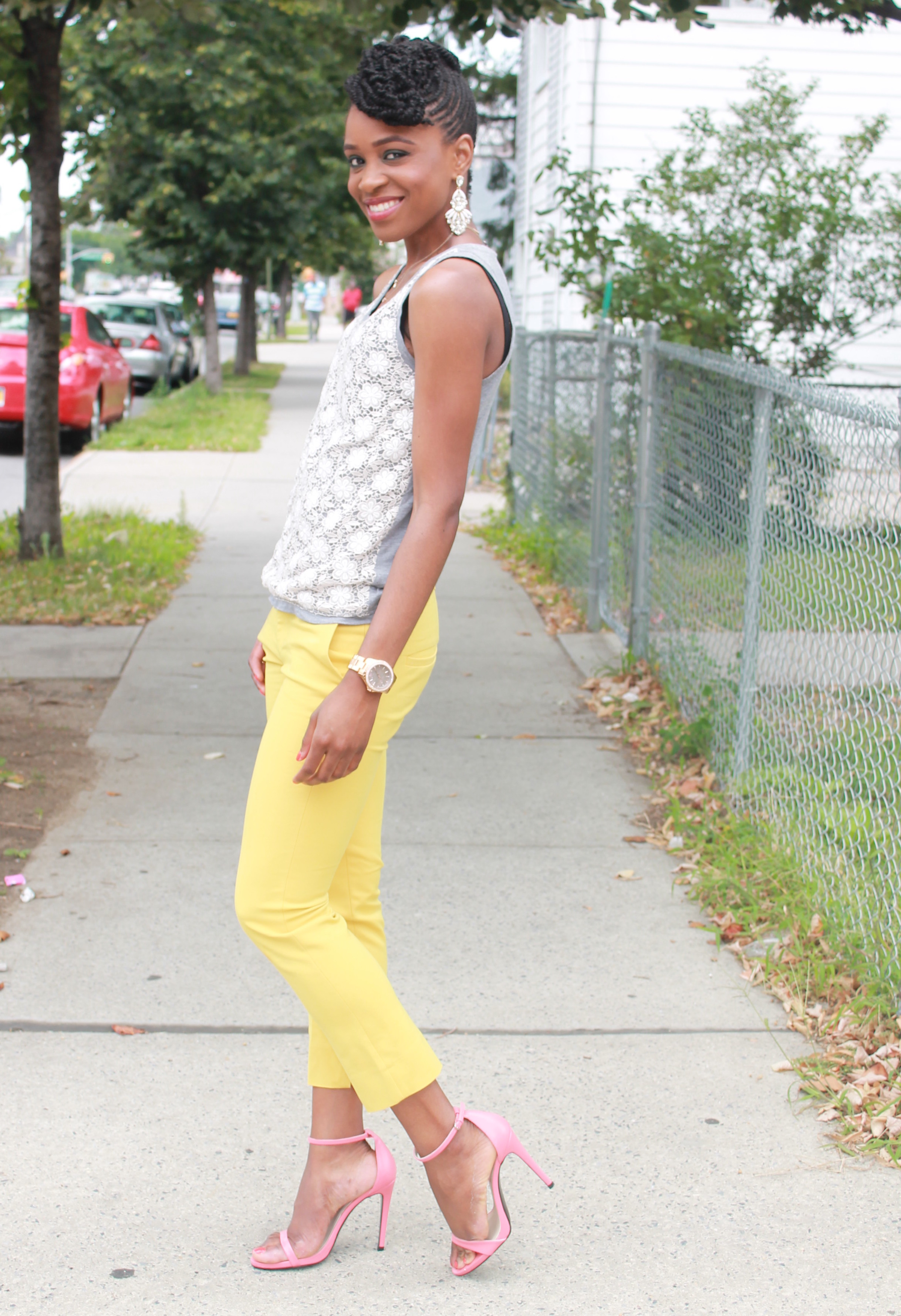 Yellow cropped trousers & lace top (5)