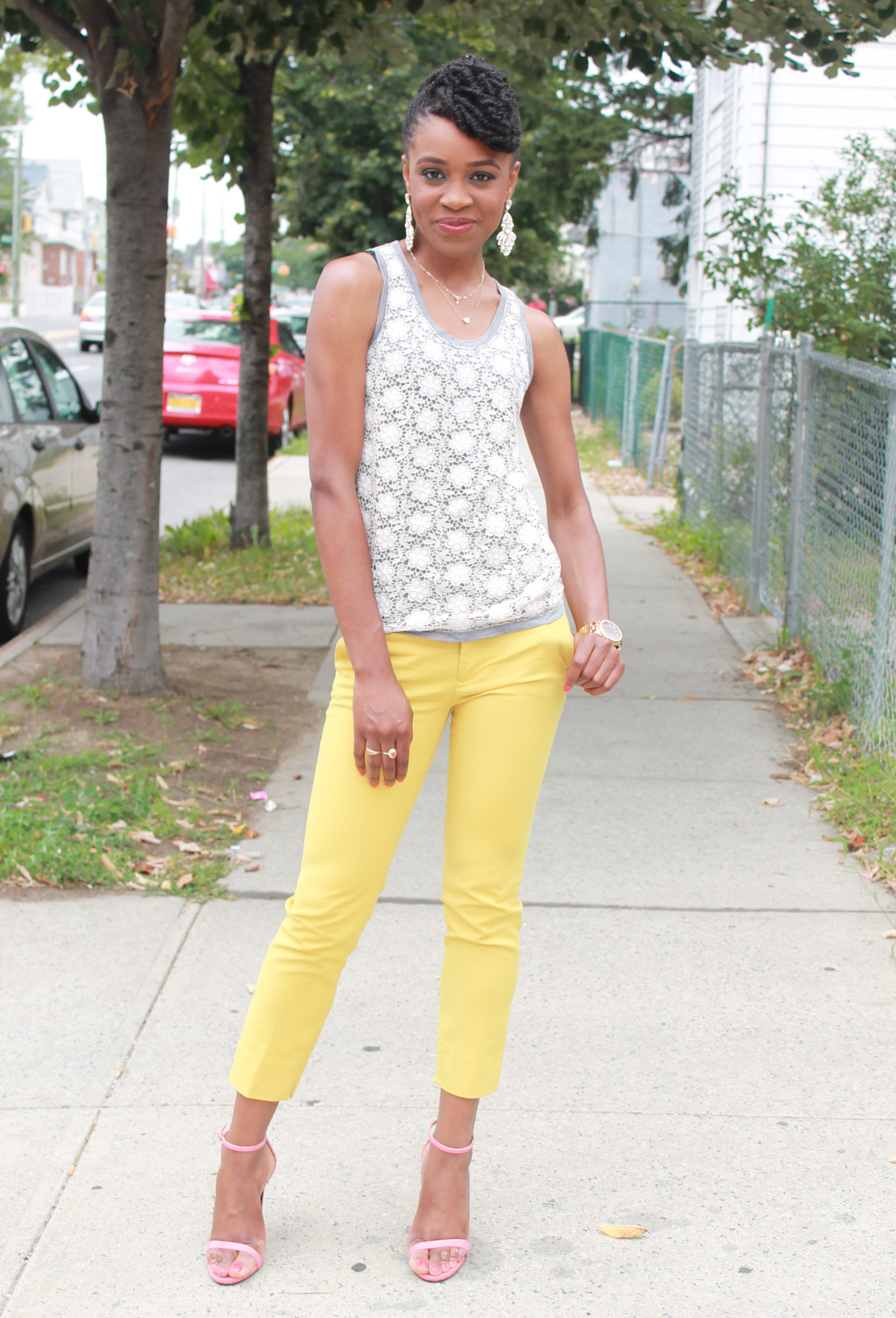 Yellow cropped trousers & lace top (7)