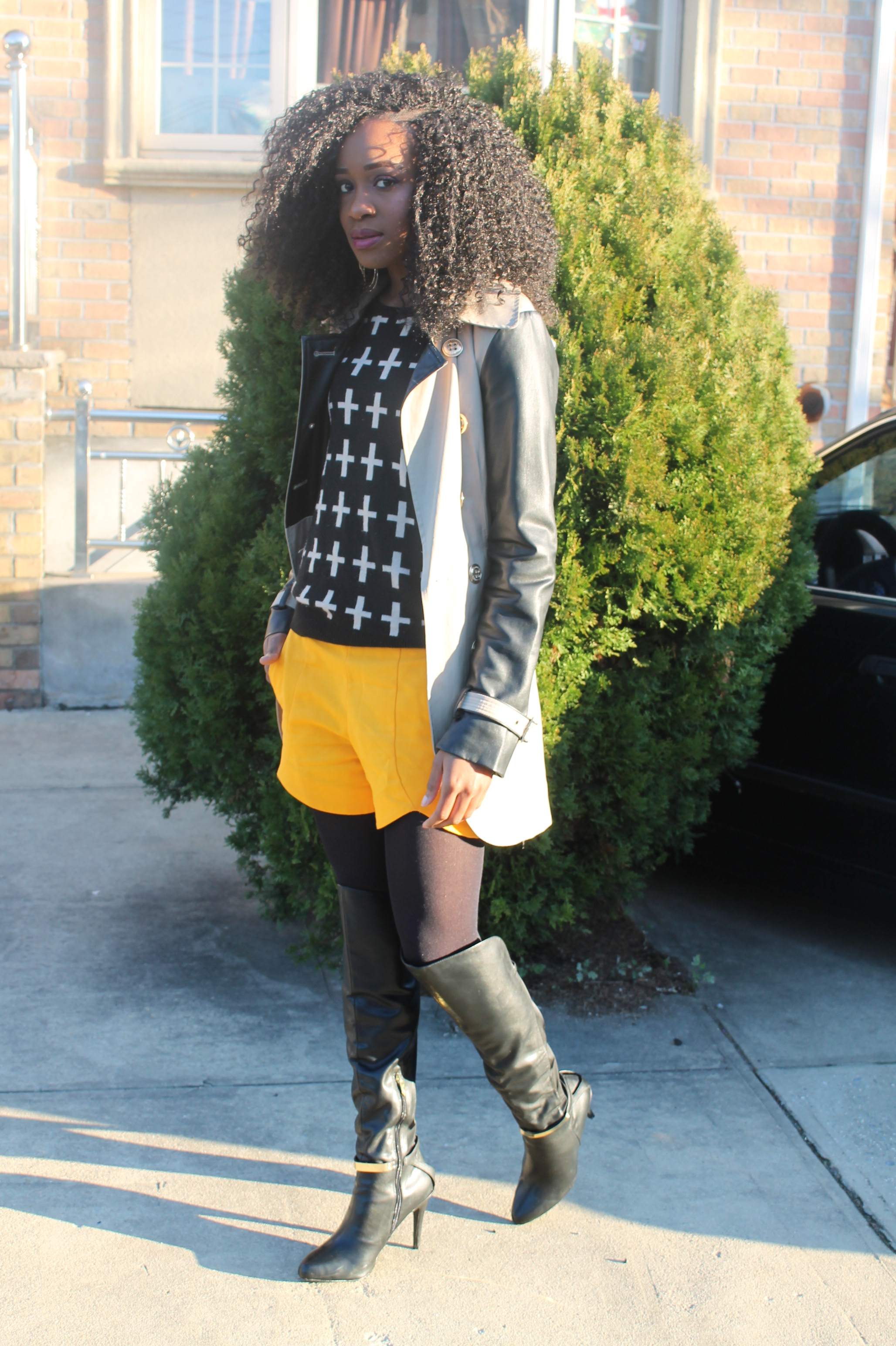 Shorts, sweater, trench coat, otk boots   (7)