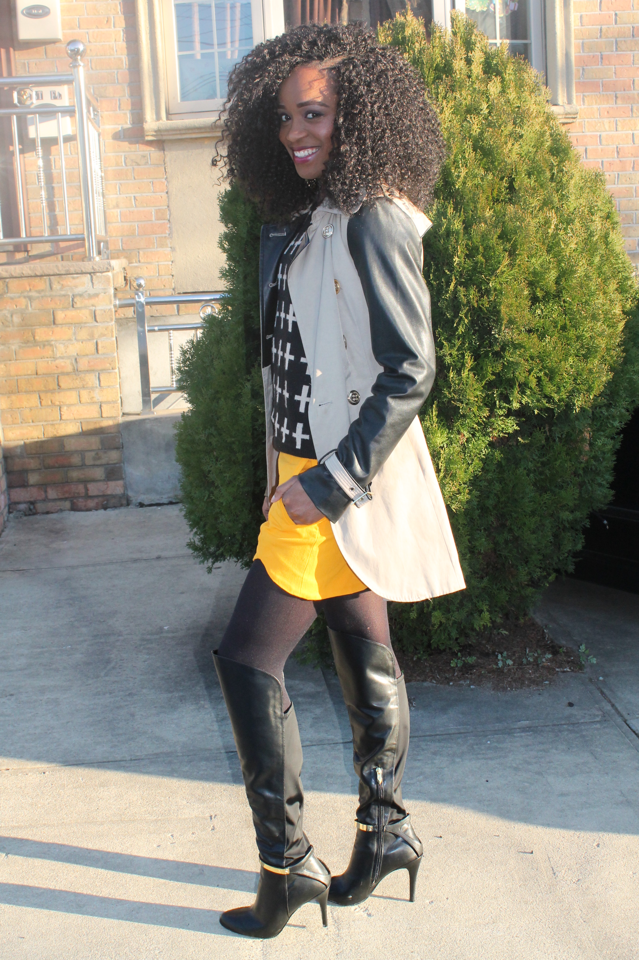 Shorts, sweater, trench coat, otk boots   (9)
