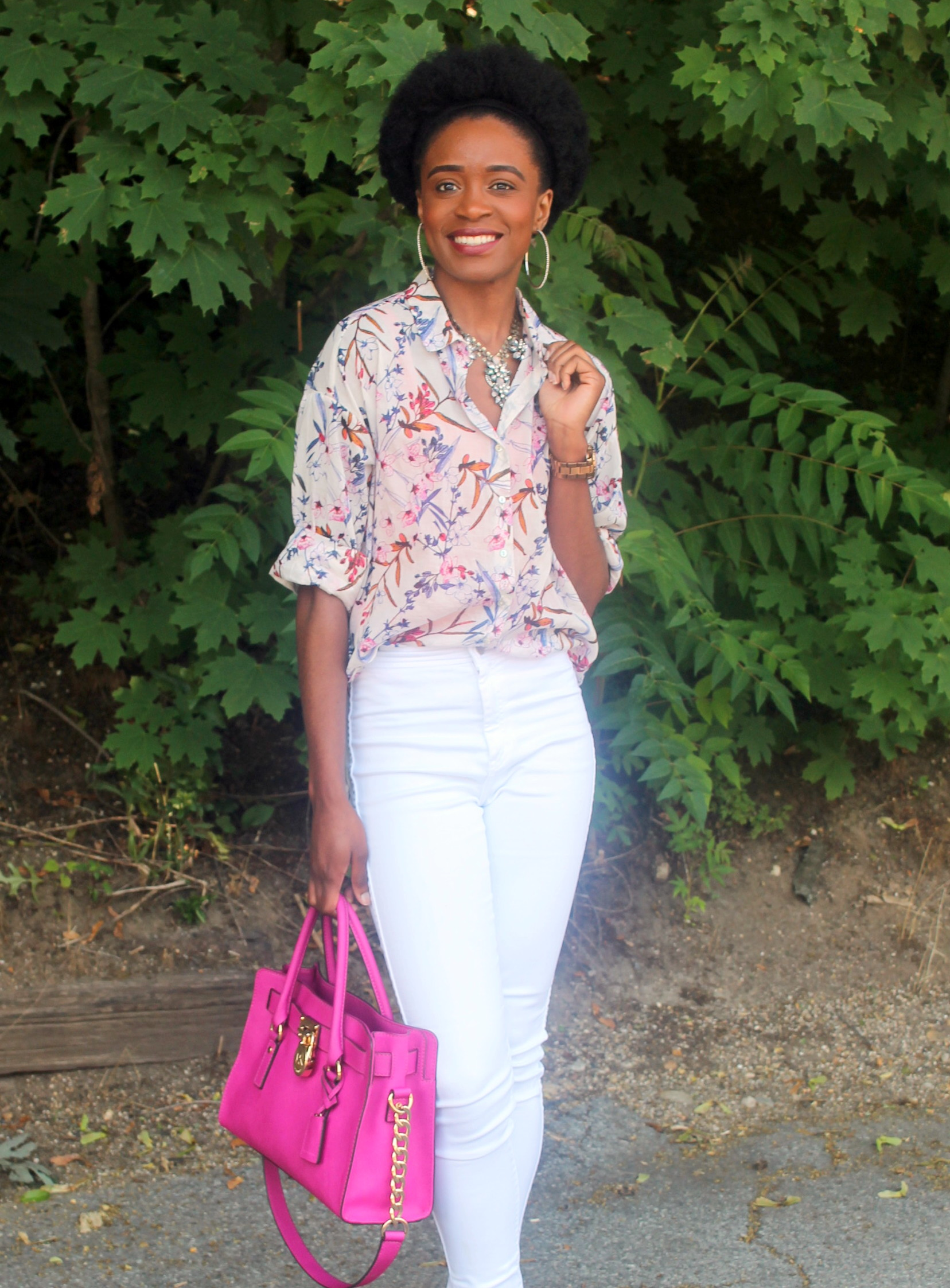 High waisted white denim + printed shirt (3)