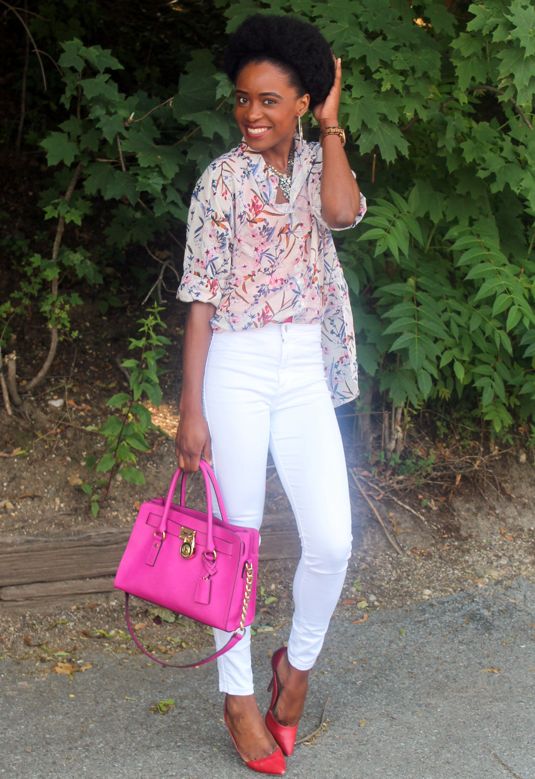 High waisted white denim + printed shirt (8)