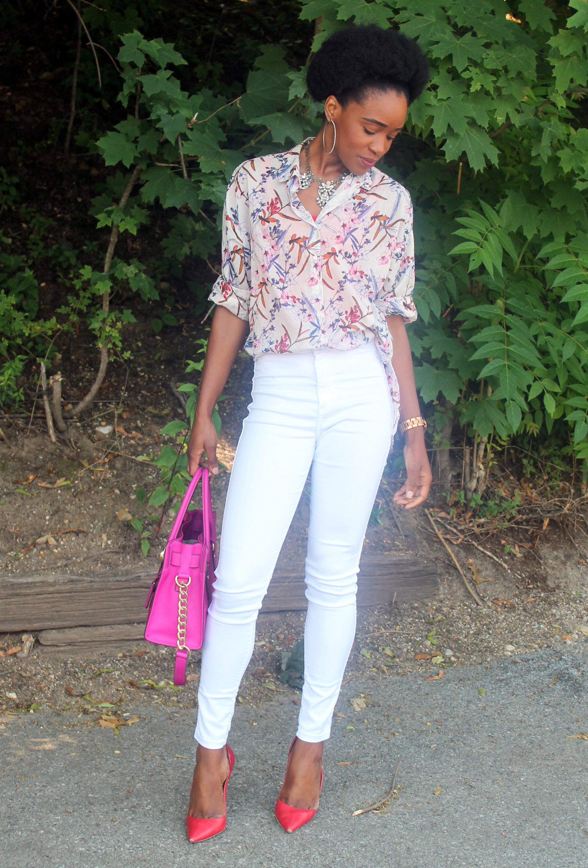 High waisted white denim + printed shirt (9)