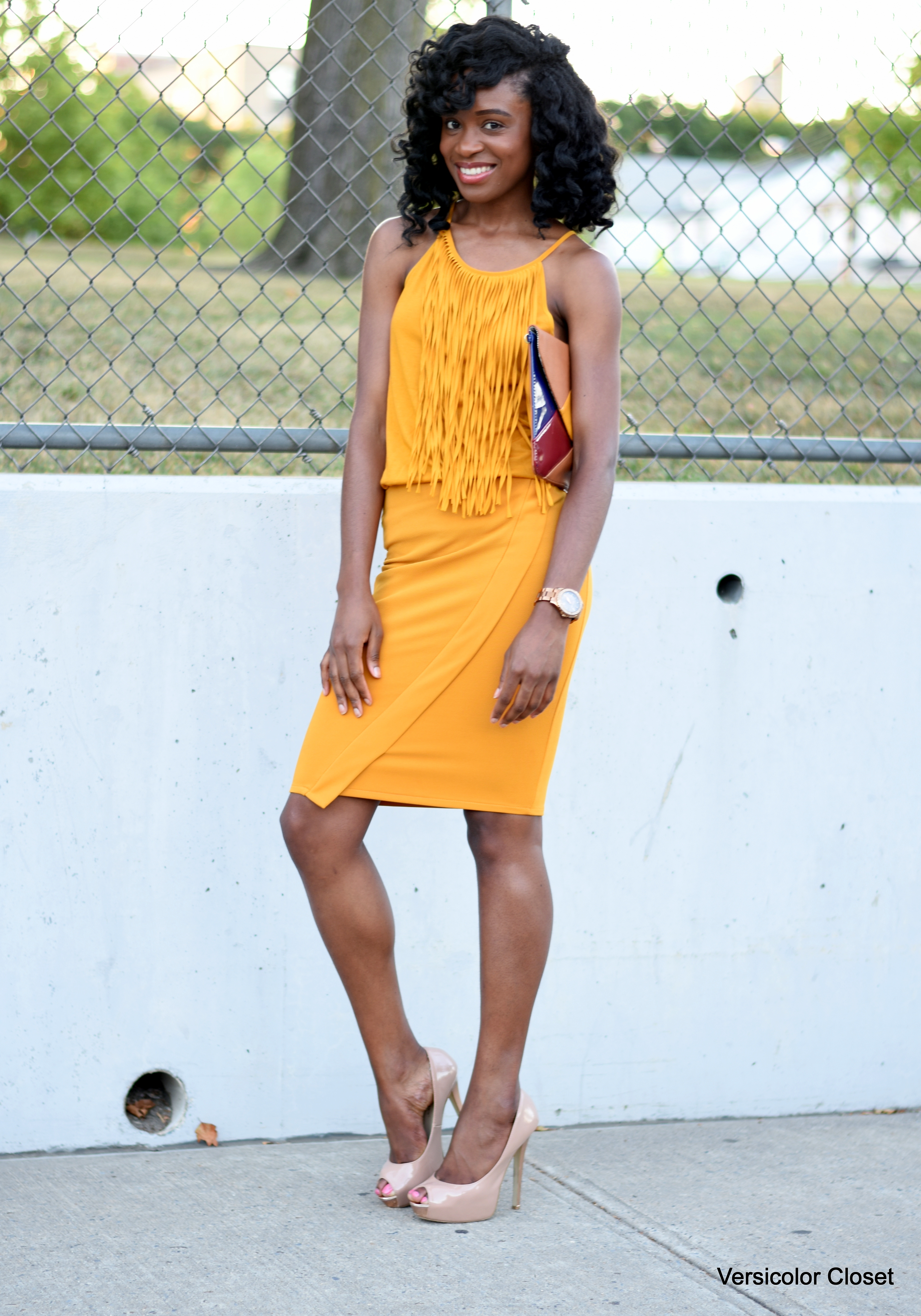 Mustard pencil skirt + fringe top (3)