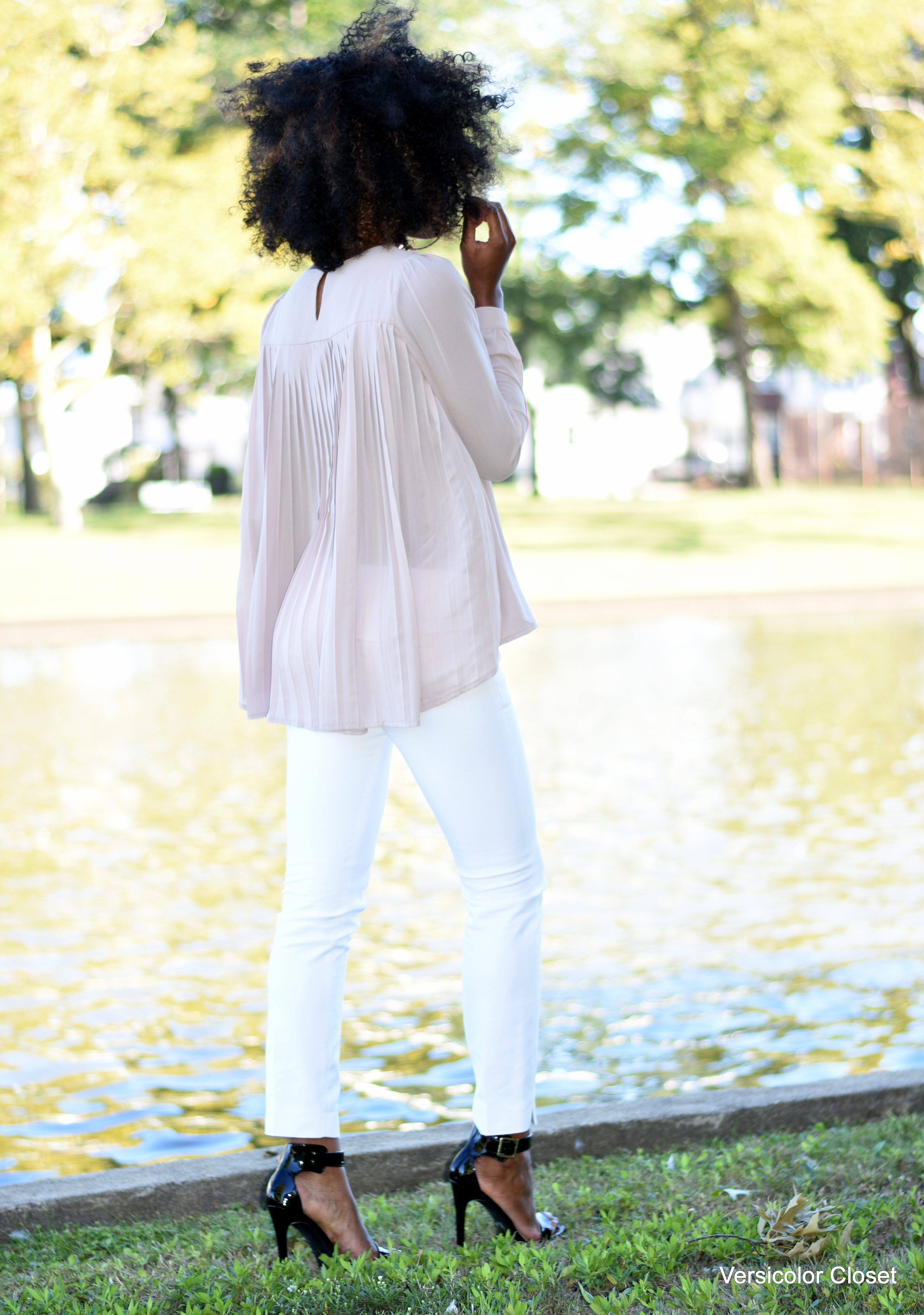White cigarette pants + nude blouse (11)